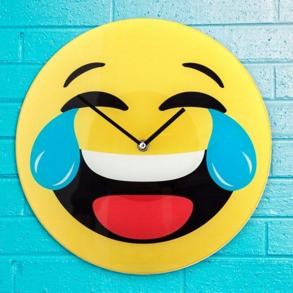 Skrattande Emoji Väggklocka