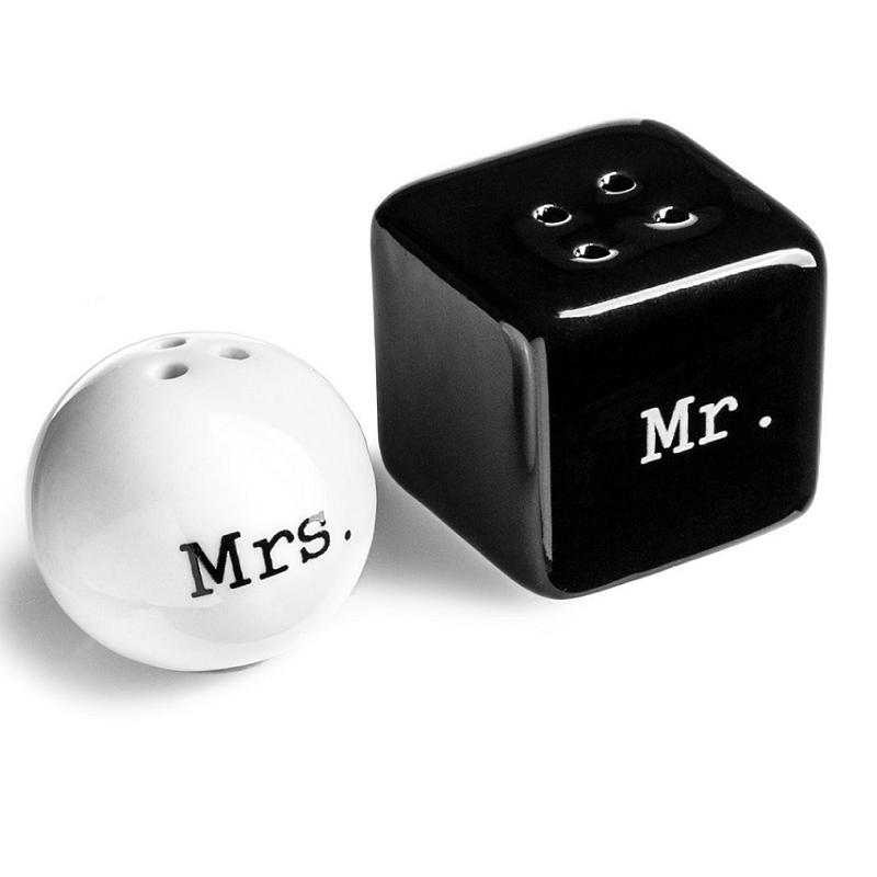 Salt & Peppar Mr & Mrs