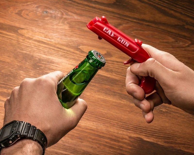Pistol Flasköppnare