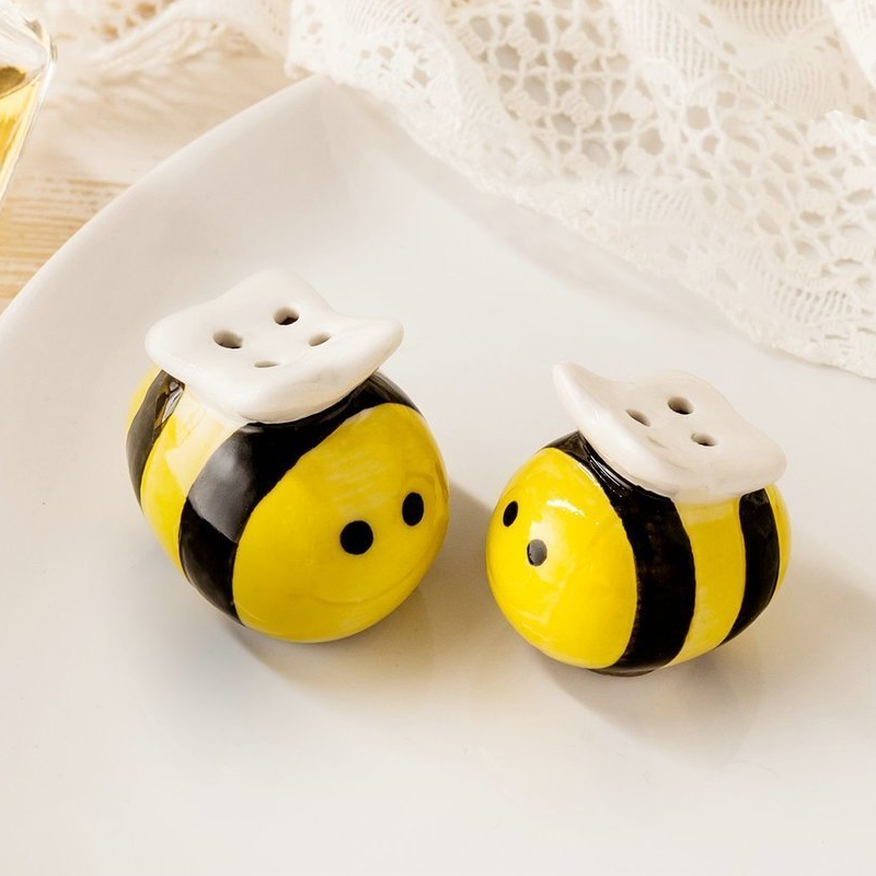 Salt & Peppar Meant To Bee